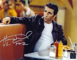 "Henry Winkler ""The Fonz"" Happy Days Autographed 8x10 Photo Sitting In Arnold's Diner"